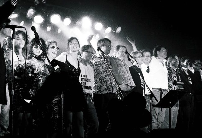 Rock Bottom Remainders en 1992
