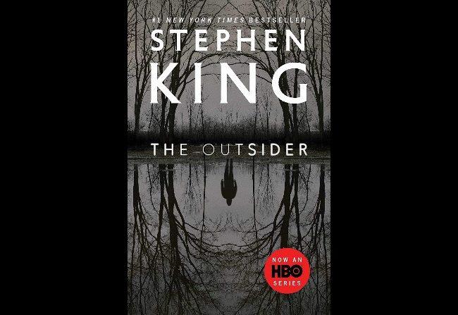 The Outsider: Reedición de la novela