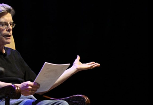Stephen King lee «Más allá»